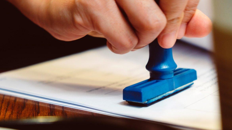 Requisitos de fecha cierta y materialidad de los contratos